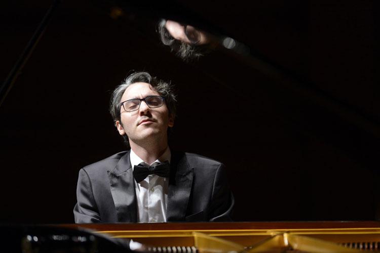 Stagione_concertistica_Alexander_Gadjiev